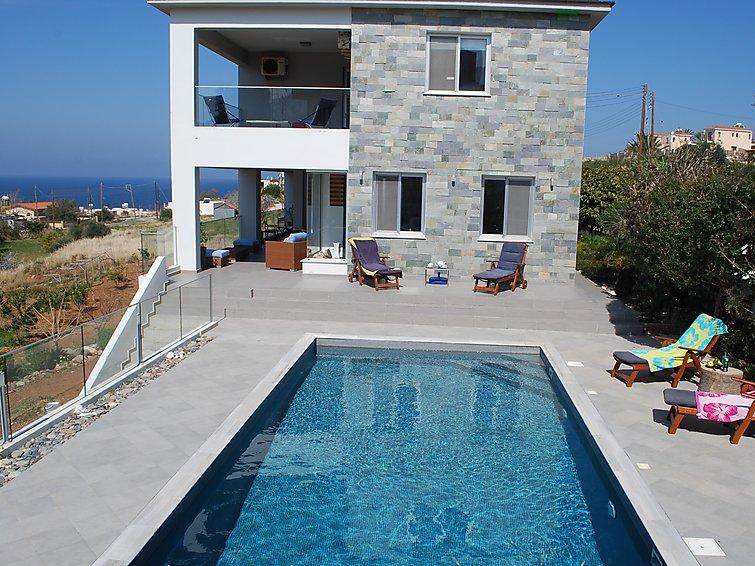 Ferie hjem mariza villa med tv og parkering