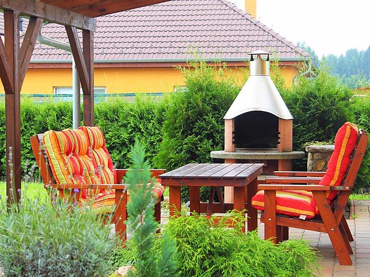 ceske budejovice hindu singles Mobile homes 25 m² for sale české budějovice, district české budějovice 658 000 kč, single-story, single, prefab building, new homes.