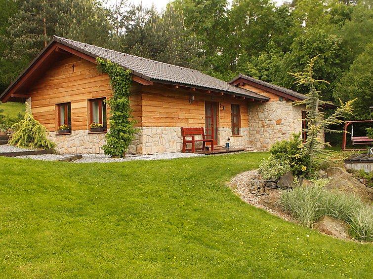 Ferie hjem Lipnice med gårdhave og bruser