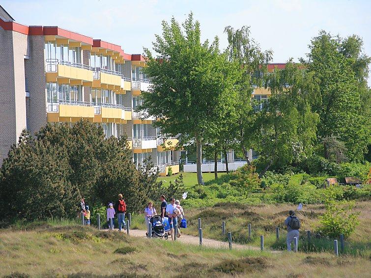 Ferielejlighed üne 32 m2 Seeseite tæt restaurant og med pool til børn