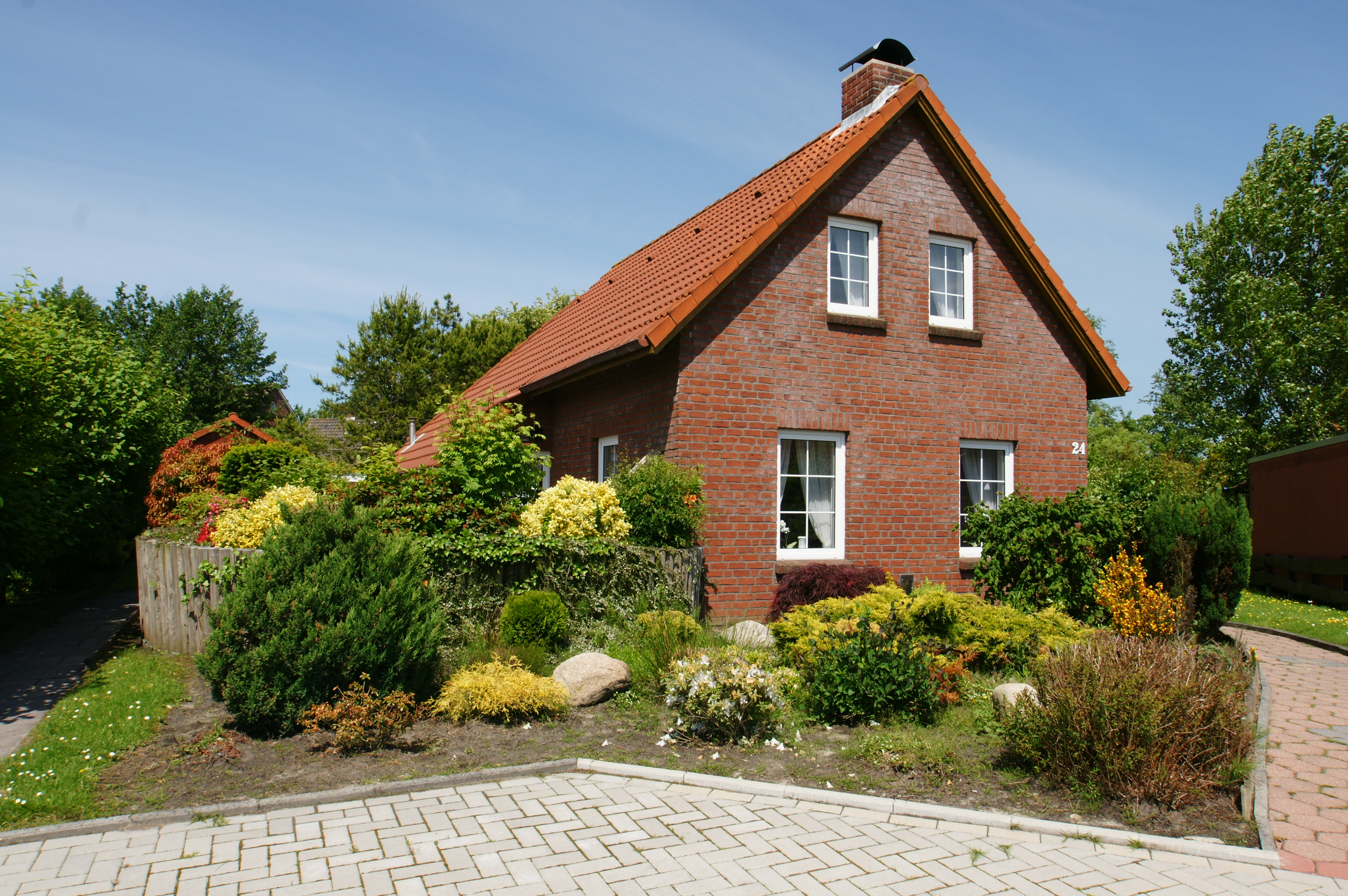 ferienhaus riedehuus in norddeich deutschland interhome. Black Bedroom Furniture Sets. Home Design Ideas