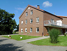 Remmershof s perilicom posuđa i balkonom