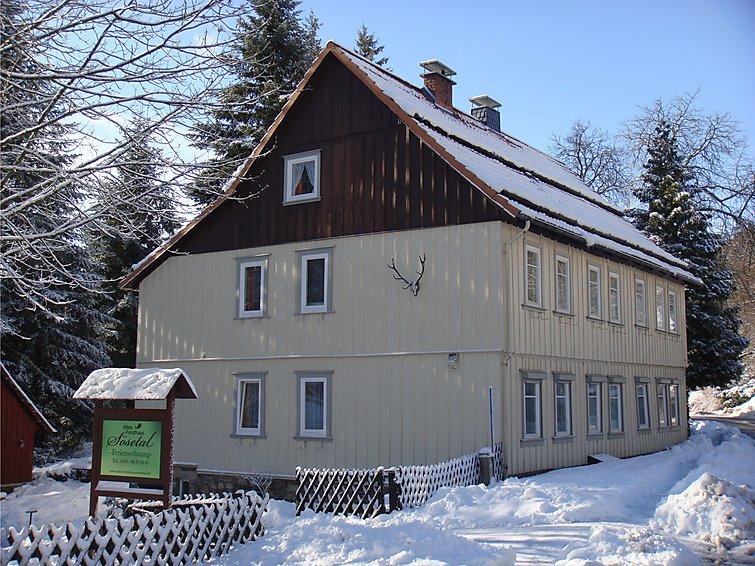 Ferielejlighed Altes Forsthaus med mikrobølgeovn og til nordisk vandring