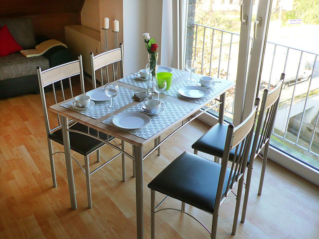 ferienwohnung d sseldorf. Black Bedroom Furniture Sets. Home Design Ideas