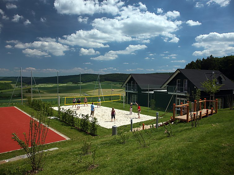 Holidayhome Nurburgring (5p) at holidaypark Nurburgring, with 2 bathrooms, nearby the Volcano-Eifel (I-197)
