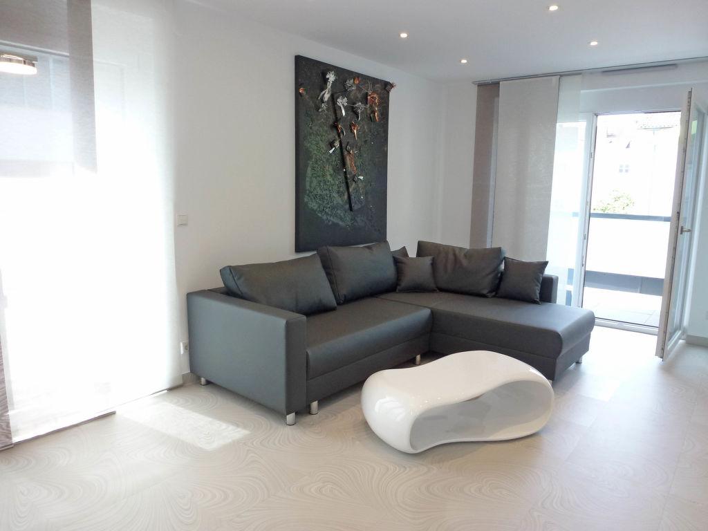 ferienwohnung offenburg. Black Bedroom Furniture Sets. Home Design Ideas