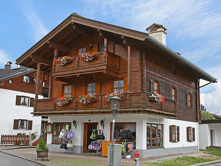 Ferienwohnung Dorfstrasse in Reit im Winkl DE8216.200.1 | Interhome