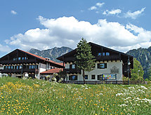 Alpina con recepcion y para golf
