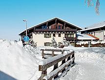 Alpina con parking cubierto y terraza