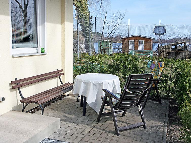 Vrijstaande vakantiebungalow Goetheallee (4p) aan het meer Krakower See (I-221)