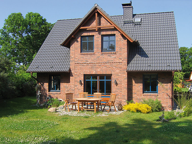 Holidayhome Arkona (7p) at the coast by the Island Rugen, Baltic Sea (I-219)