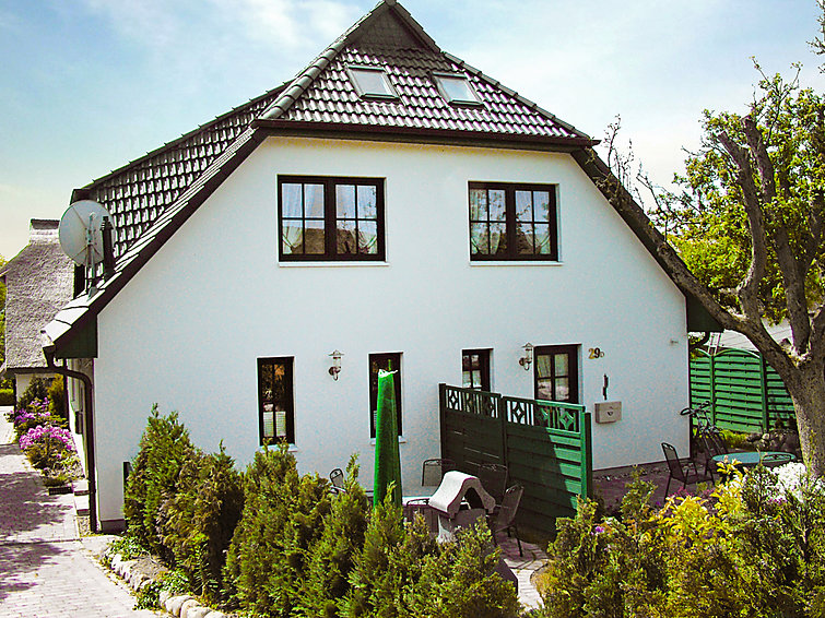 Luxurious half detached holidayhome Boddenstrasse (8p) at the sea and beach in Germany (I-209)