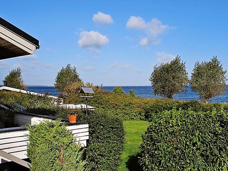 Ferienhaus øby Egede mit Meerblick und Mikrowelle