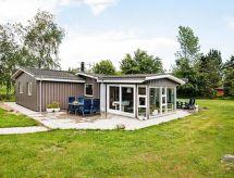 Knebel - Vacation House Begtrup Vig
