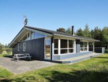 Slettestrand 'de jakuzili ve Bebek karyolası ile