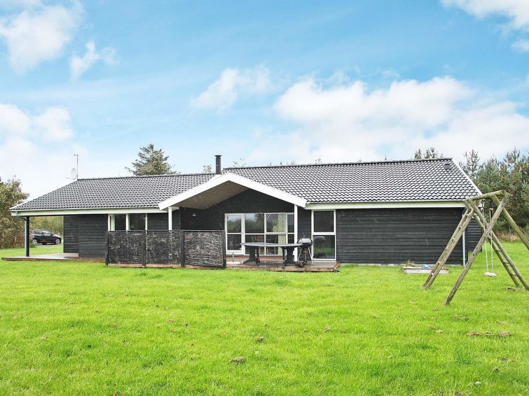 Holiday Home Bratten Strand pets allowed and with table tennis