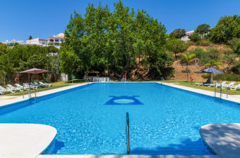 Villas with pools in Spain for rent | Interhome