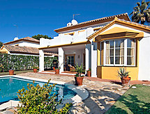 Hacienda Andaluz mit Ofen und Balkon