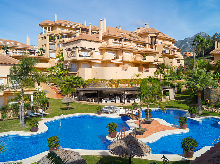 apartment aloha hill club marbella summer