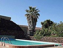 Casa blauer Enzian med pool og til ridning
