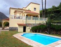 Villa La Serenidad med pejs og barneseng