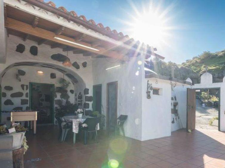 Ferie hjem Cueva Rural El Caidero med vaskemaskine og kæledyrs tilladelse