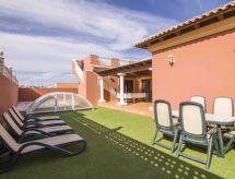 Villa Rodrigo mit Pool und Bett für Baby