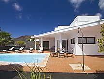 Playa Blanca - Holiday House 3 Bedroom Villa, private Pool.
