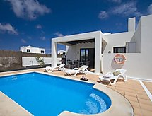 Playa Blanca - Holiday House 3 Bedroom Villa B, private Pool.