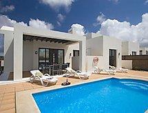Playa Blanca - Maison de vacances 3 Bedroom Villa B, private Pool.