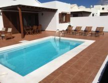 Playa Blanca - Holiday House Villas La Granja 8