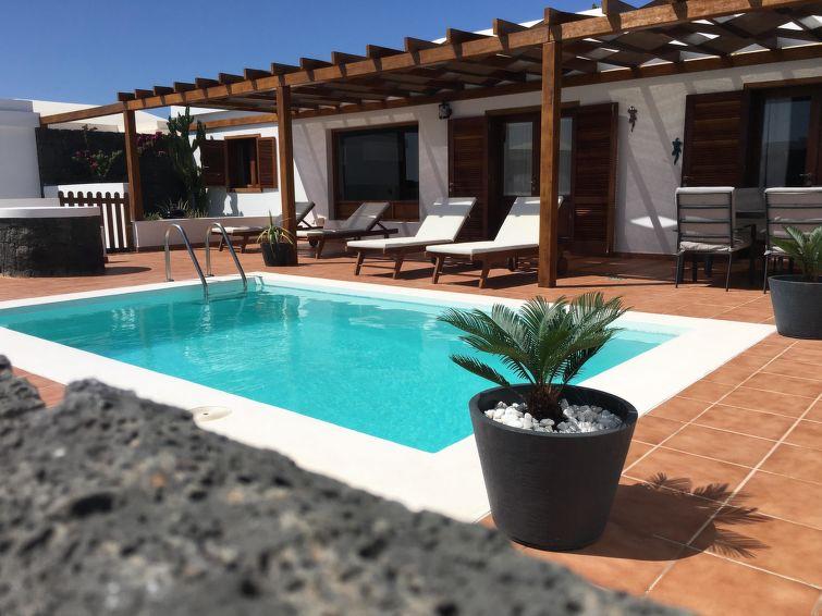 Villa Paula Accommodation in Playa Blanca