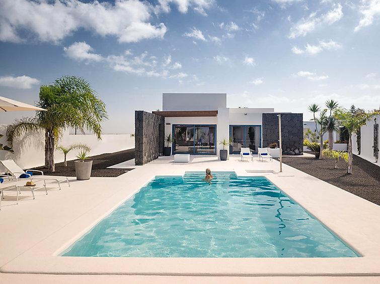 Villa Holiday Accommodation in Playa Blanca