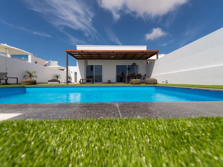 Villa with Pool Playa Blanca