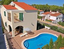 Villas Cala Galdana V4D AC 02 con cuna y terraza