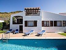Villas Playas de Fornells V3D AC 01 mit Bett für Baby und Pool