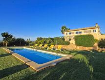 S'Esmolador ile Veranda  ve Golf için