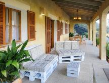 Ferienhaus mit Pool (ONT105)