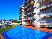 Roses - Apartment Cap Mestral