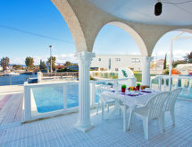 Empuriabrava - Holiday House Requesens canal