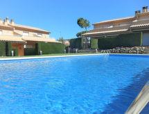 Casa Montse mit Terrasse und zum Radeln