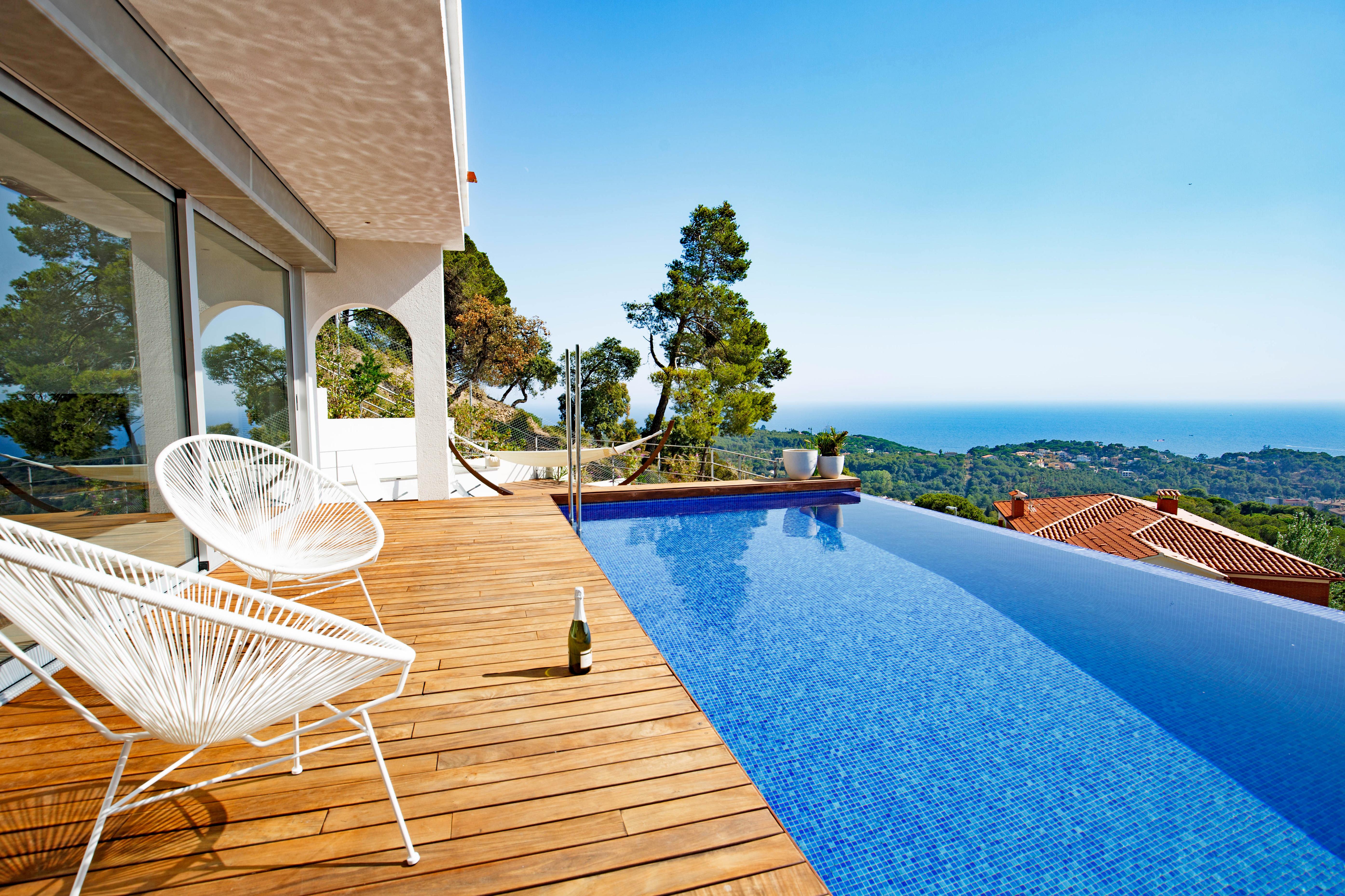 Lloret de mar espagne maison de vacances can bruc es9469 for Location maison lloret del mar avec piscine