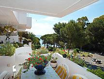 Cala Bona med terrasse og hegn