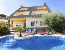 Tordera - Holiday House Divine