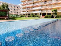 Apartamento Sol medencével és terasszal