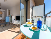 Canet de Mar - Apartamenty Blue Apartment