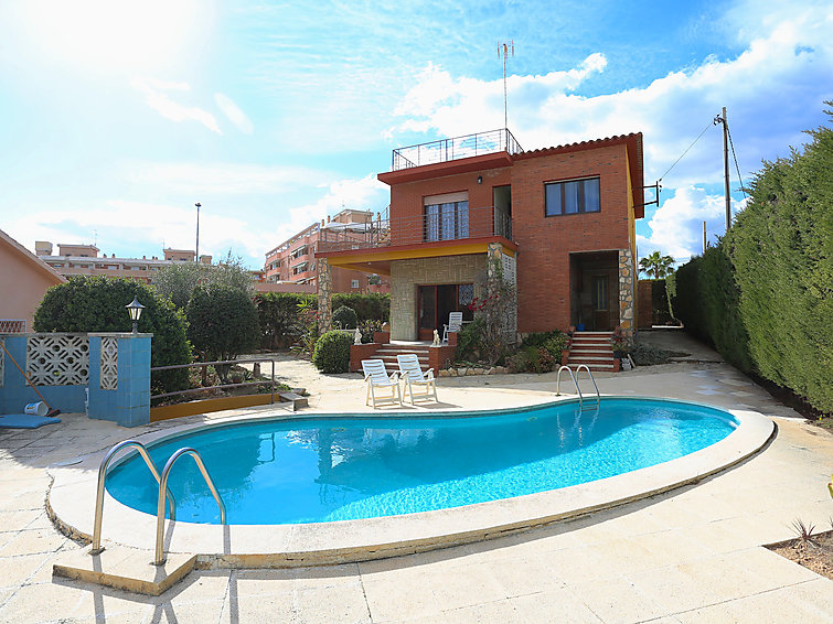 Holiday Home Lleida with balcony and pool