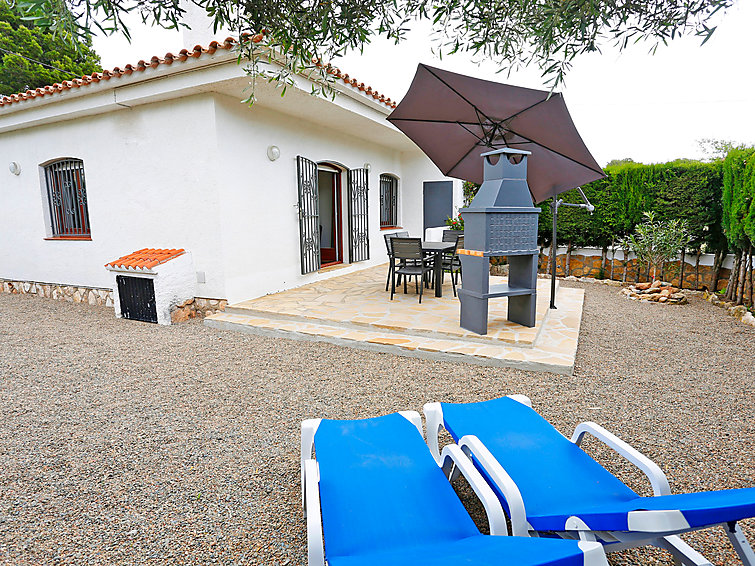 Дом Urb El Casalot 03 с условиями для барбекю и для игры в гольф