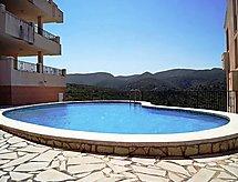 Apartamentos Urgeles con balcón y piscina