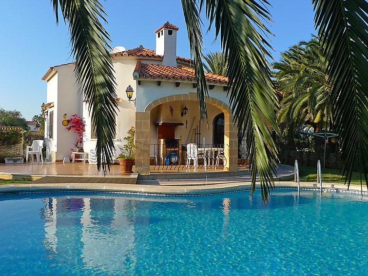 Дом El Paradiso с микроволновой печью и садом